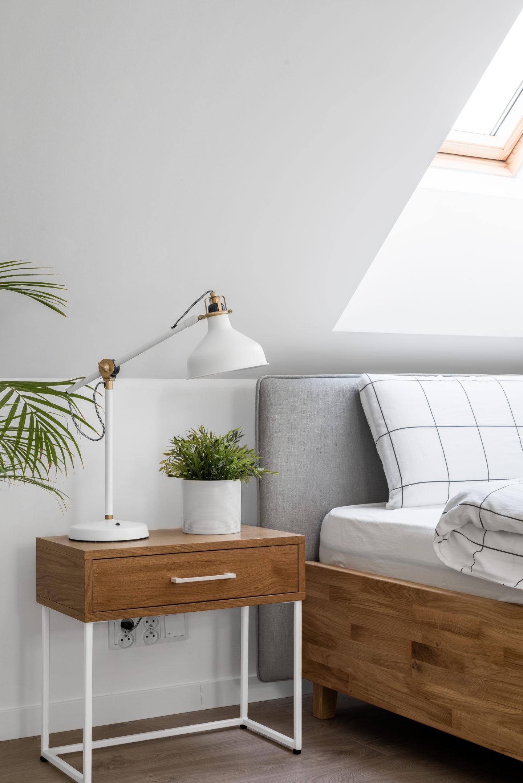 łóżko-z-zagłówkiem